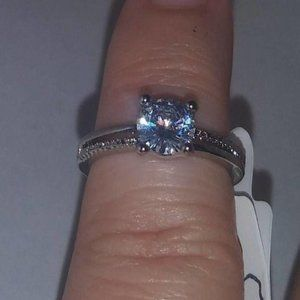Solitaire Wedding Ring Woman Size 5